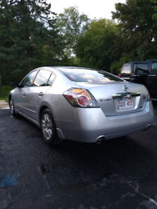 2010 Nissan Altima 3.5 S, 142K, rare size engine, drives amazing