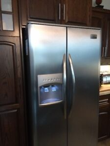 Fridgidaire Professional Refrigerator with Freezer and Water
