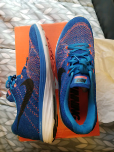 Nike flyknit lunar 3 in excellent condition amazing running shoe