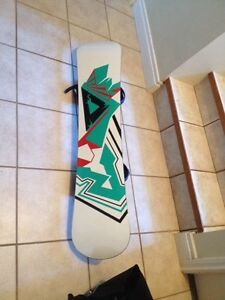 Ride LowRide Snowboard (130 cm) with Firefly bindings