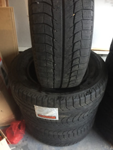 4 Winter Tires Michelin 245/65/17 very good cond,