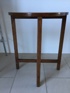 Petite Table D'appoint ** Vintage / Mid Century ** Accent Table
