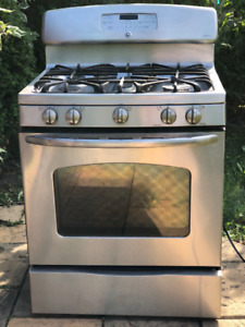"""GE PROFILE 36"""" Stainless Steel Gas Range with Convection Oven"""