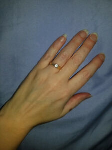 STUNNING 14K YELLOW GOLD  .25CT SOLITAIRE ENGAGEMENT RING
