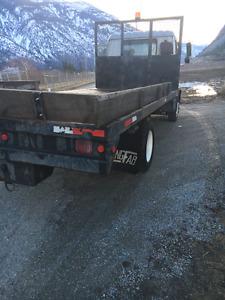 5 TON GMC T6500 Flat Deck Truck