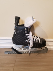 Used skates in excellent condition