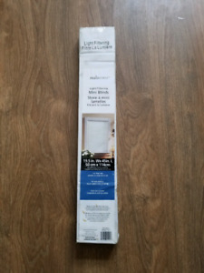 Window Blind Light Filtering Mini Blinds 19.5 inch by 45 inch