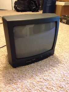 Small Sylvania TV with remote  Kitchener / Waterloo Kitchener Area image 1