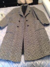 Wool coat. £10 14/16 b on Avon