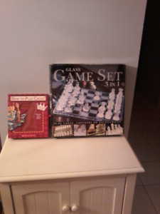 Glass game set and how to play chess kit