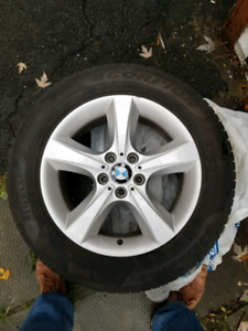 255/55/R18 BMW MAGS+ TIRES 600$ ONLYY !!