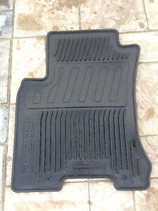 Original 4-PC Nissan Rogue (2008 - 2013) Rubber floor Mats