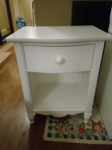 white all wood nightstand, very good condition
