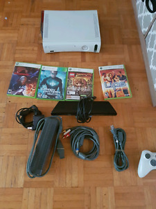 Xbox 360 + Kinect and controller and games