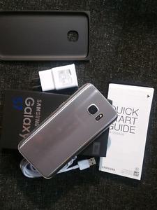 Samsung S7 32GB / Freedom  Has crack