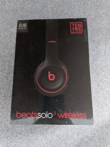 Uopened Beats solo 3 Wireless headphones