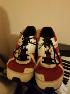 Size 11 Reebok sneakers barely used
