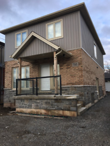 BEAUTIFUL BEDROOM AVAILABLE IN NEW BUILT HOME!