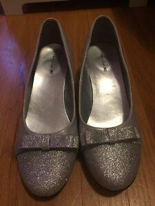 Girls Size 6 Youth Shoes St. John's Newfoundland image 3
