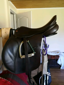 Eventing saddle