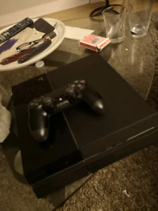 PS4 500 GB + 1 manette