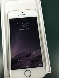 Apple iPhone 5s gold 32 gb Telus 30 days warranty