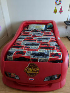 Lightning McQueen TWIN bed & mattress