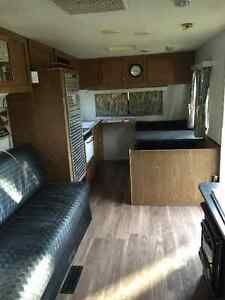 29ft Mallard travel trailer