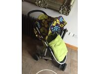 Mamas and papas zoom and car seat travel system