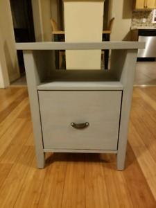 Wooden grey cabinet with 1 deep drawer.
