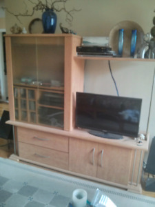 Meuble TV $100 avec section bar & système de son