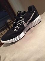 Nike Free Lunar Tempo Size 9.0