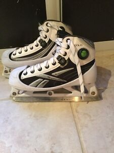 Reebok Gold Youth Goalie skates with pump size 4- Shoe size 5.5