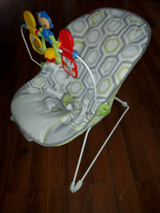 Fisher Price Vibrating Bouncer Chair & Infantino Play Mat