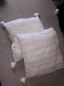 2 white Cushions free to collect