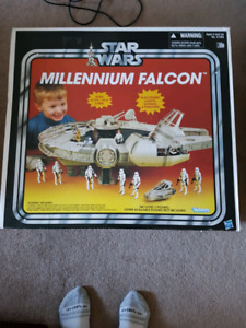 Star wars vintage collection millennium falcon