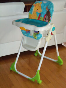 Chaise haute Fisher price RÉCENTE