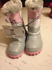 Brand new girls boots size 1