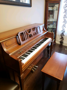 Kawai upright classic piano 803-1 with bench