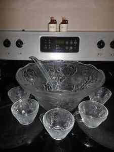 Beautiful Glass Punch Bowl Set with 8 cups
