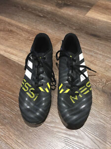Adidas Messi Soccer Cleats - Size 5 1/2