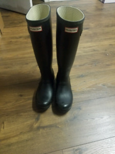 Hunter boots size 6