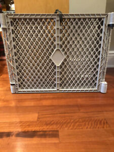 """6 panel gate system for pets or babies - 30"""" x 26"""""""