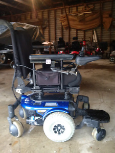 Quantum 600 electric wheel chair