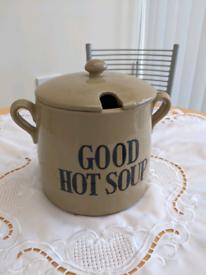 Good hot soup pot Moira farmhouse stoneware
