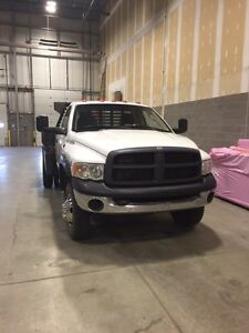 2005 dodge diesel flat deck dually