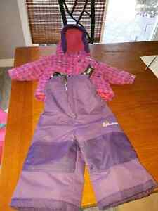 Oshkosh 24m girls snow suit Kitchener / Waterloo Kitchener Area image 1