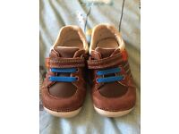 Clarks shoes size 3.5G