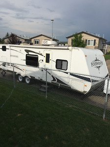 ***REDUCED*** 2010 Fourwinds 29QGS