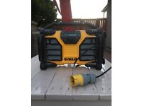 Dewalt radio with 4.0AH battery and 110v lead